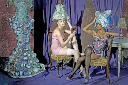 "Patula Berm, ""glazen pruiken"", glazen jurk. Photo Blacq Photoghraphy."