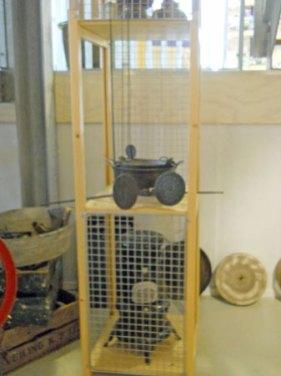 11-391-Zuil naast trap-over 2 etages-in vakken-3 stuks-50x55x75 combi met bestaand.