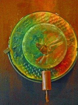 "Kjell Engman, ""Glassculptuur"" massieve glazen platen op houten wandpaneel."