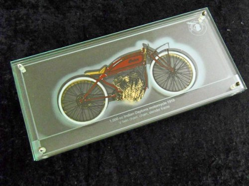 "Harry Ravers, ""Motor"", 3-D glaspaneel, handbeschilderd."