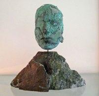 Mari Meszaros, Metamorphose, groen floatglas met koperfolie, 37 x 34 cm.