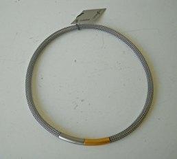 Charizzma, Collier Nr. C 008, gevlochten staal met uiteinde van staal en verguld staal.