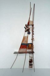 """""""Koperen uitkijktoren"""", textiel, verwerkt in 3D objecten: koperplaat – katoenkoper – textiel – koperdraad – polyestervlies – tyvek."""