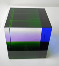 """""""Massive kubus"""", optisch kristal, 10x10x10 cm."""