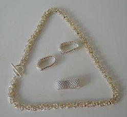 Zilveren Koningsketting lengte 50 cm. Zilveren ringen diverse maten en breedtes.