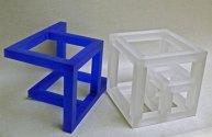 Kubussen Blauw en Wit - Tsjechisch optisch kristal, Wit 16x16 cm, Blauw 22x15x15 cm.