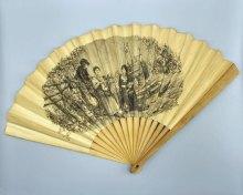 Vouwwaaier ca.1880, houten montuur, papieren blad met lithografie: zittende vrouwen en heer bij een waterput ca. 1880