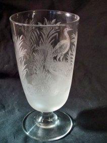 Cuppa met Reiger - loodglas - geetst glas - hoog 13 cm.