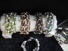 Armbanden waxkoord met parels.met-klem