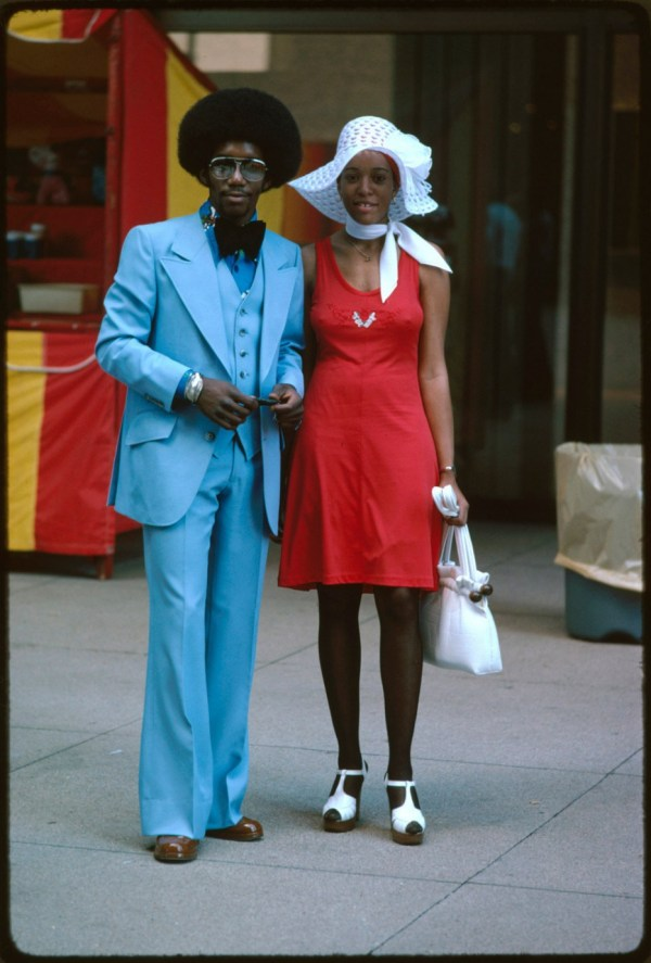 A couple on Michigan Avenue in Chicago (1975)