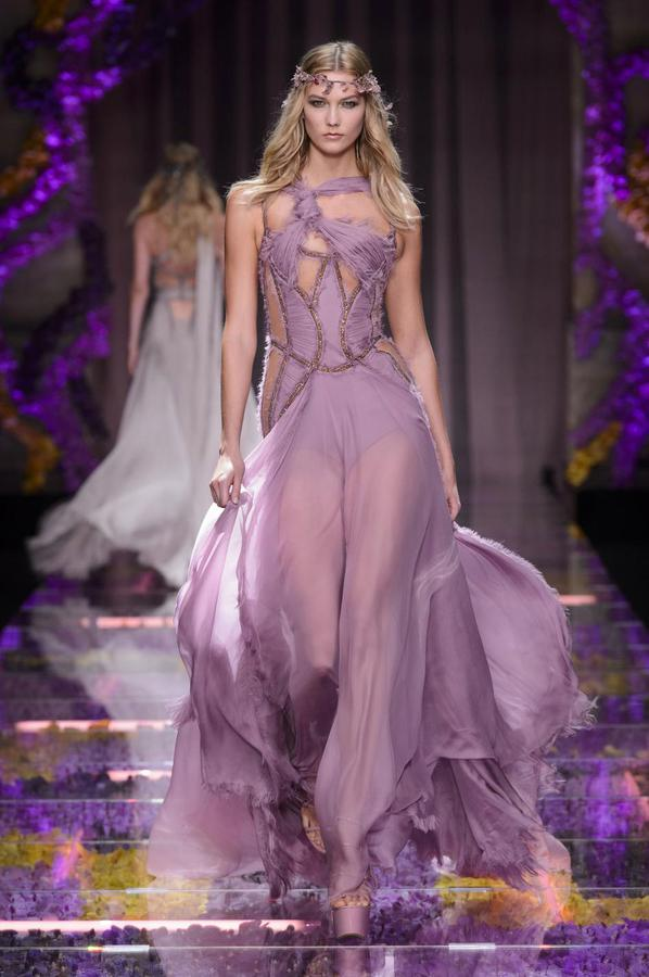 Atelier Versace haute couture - photo Imaxtree
