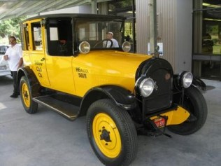 1922 Checker Cab