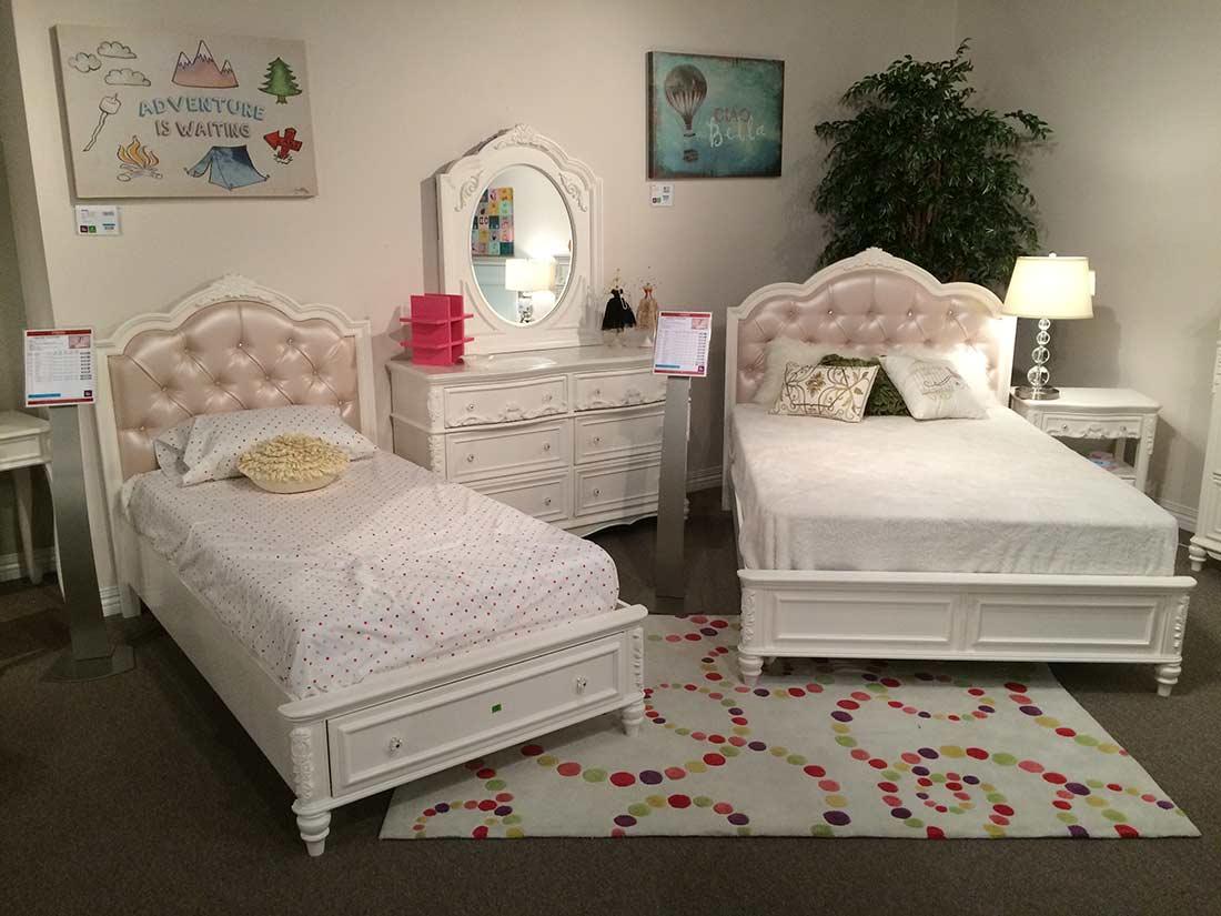 Traditional Kids Bedroom CO 078 Kids Bedroom