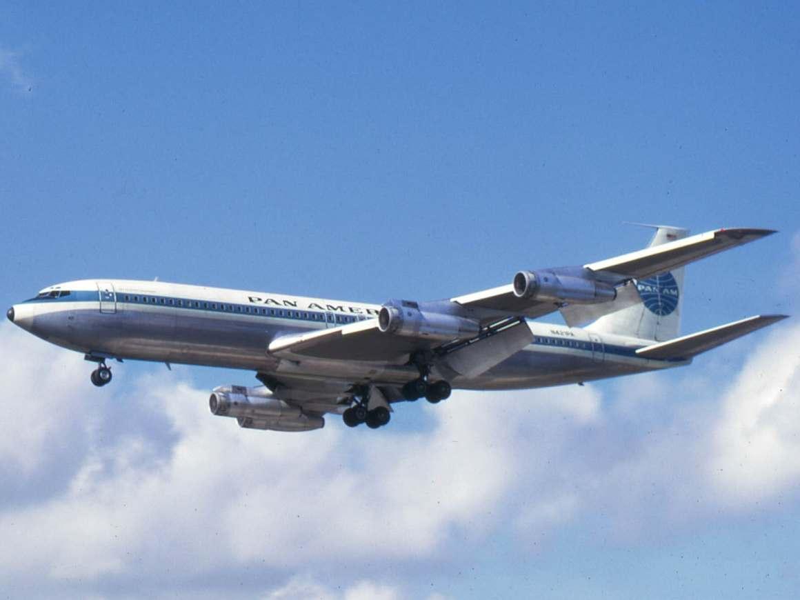 Pan Am 707 (Public Domain, Wikipedia)
