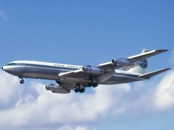 Pan Am 707 (Public Domain, Wikipedia)