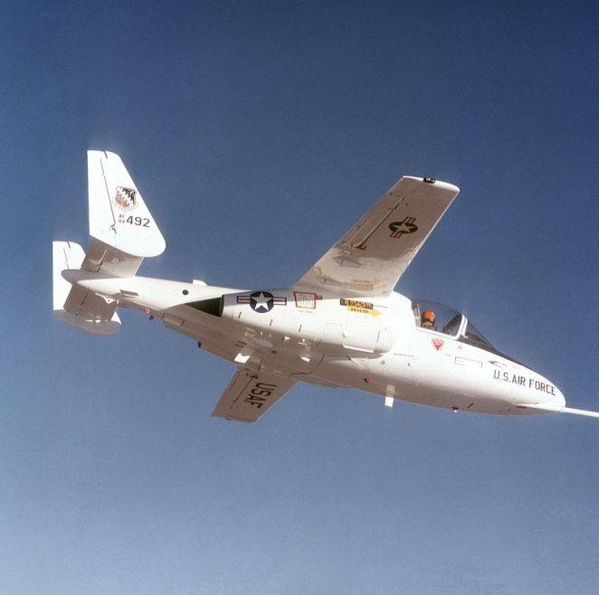 Fairchild_T-46-4