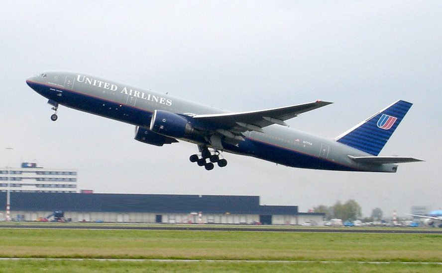 United Firms Up Boeing 777-200 replacement Plan With Airbus