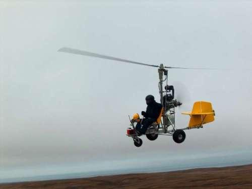 Autogiro Starbee en vuelo.