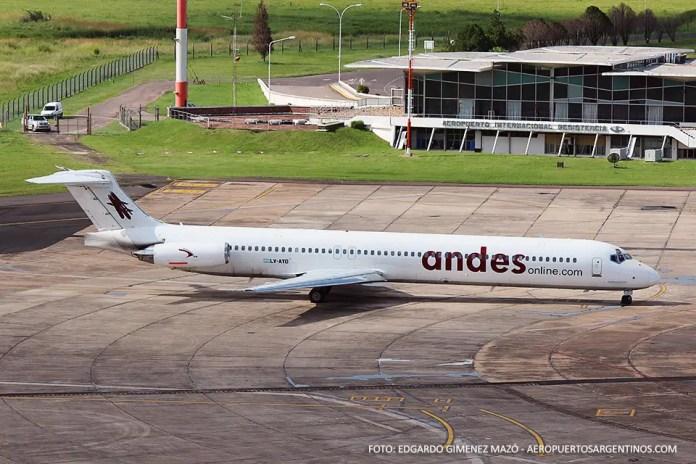 MD-83 LV-AYD de Andes cubriendo el vuelo AR1756 de Aerolíneas Argentinas en Resistencia el 28/02/2015.