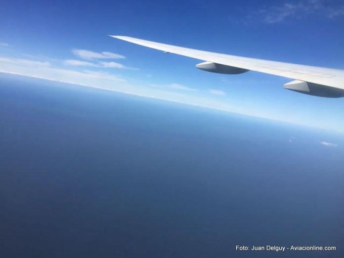 El Río de la Plata desde el Boeing 777-200 de Air France.