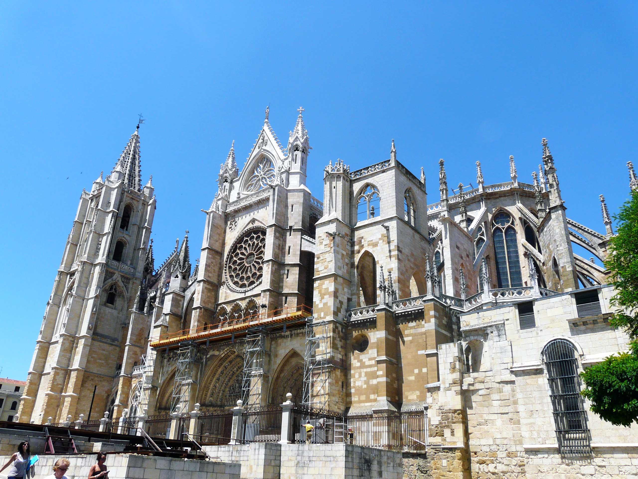 Fachada Sur de la Catedral de León