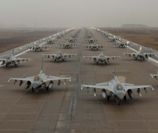 F-16 Elephant Walk