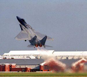 f-15 decolare