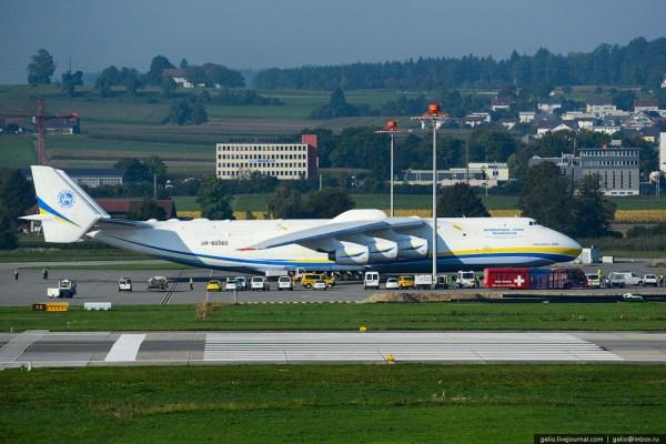 The World's Largest Aircraft - AN-225 Mriya   Aviation ...