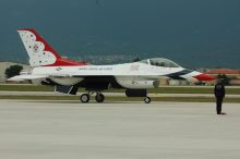 F16 Thunderbirds Demo Team Aviano AB