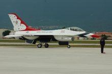 F16 Thunderbirds Demo Team Aviano AB