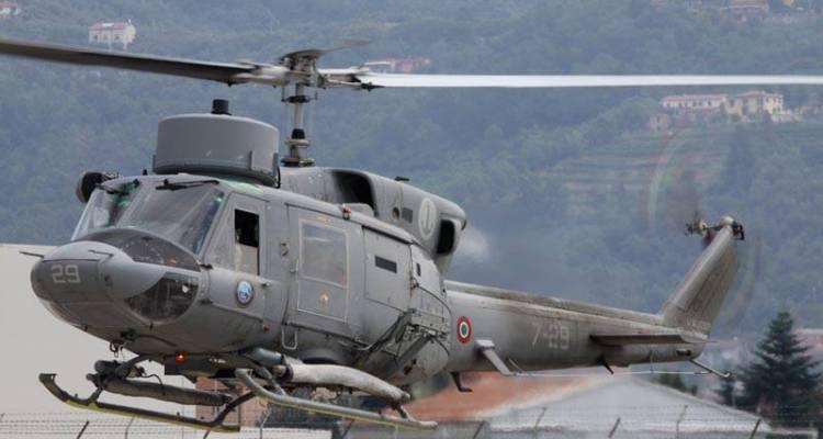 elicotteri della marina maristaeli luni sarzana