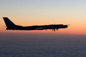 f-18 hornet finnish air force intercettano velivoli militari russi sul mar baltico