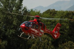 foto dell'elicottero dell'aiut alpin dolomites