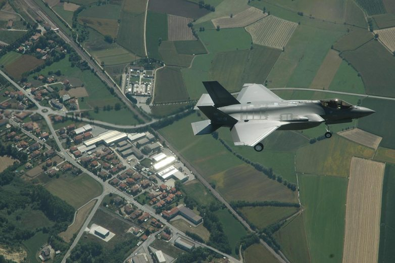 f-35 joint strike fighter italiani