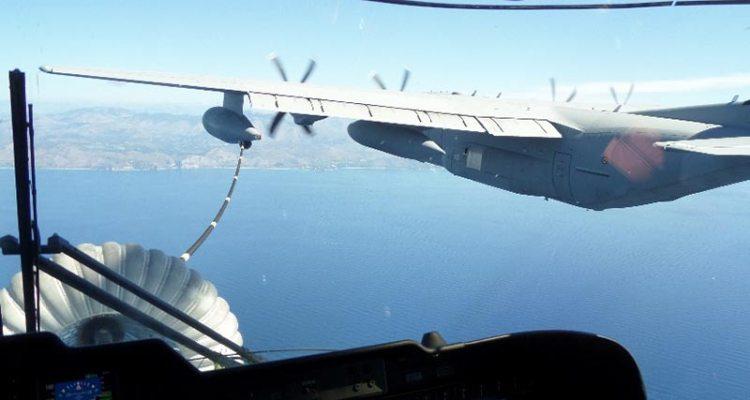 primi rifornimenti in volo tra HH-101 e KC-130J