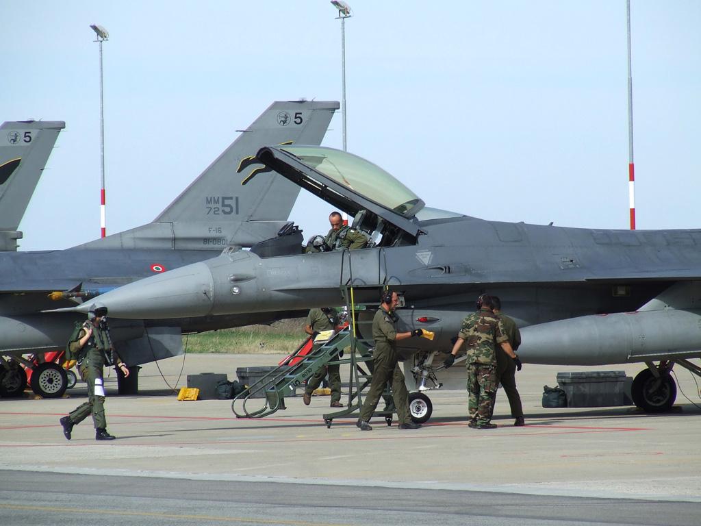 caccia F-16 italiani