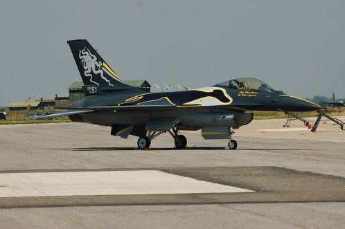 F-16 special color 90 anni 23 gruppo aeronautica militare