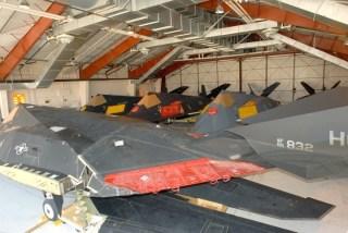 F-117A accantonati del deserto a Tonopah