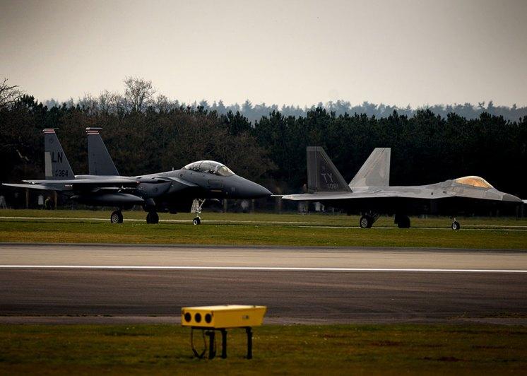 caccia multiruolo invisibile caccia di quinta generazione F-22A Raptor