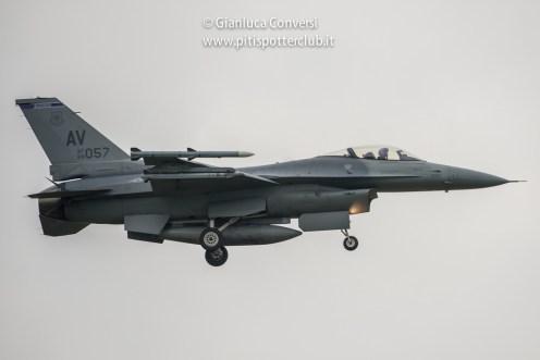 foto degli F-16 americani di aviano