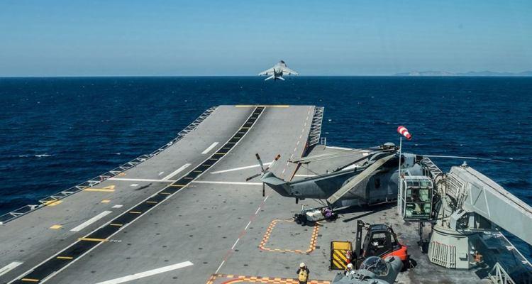 av-8b harrier della marina militare italiana