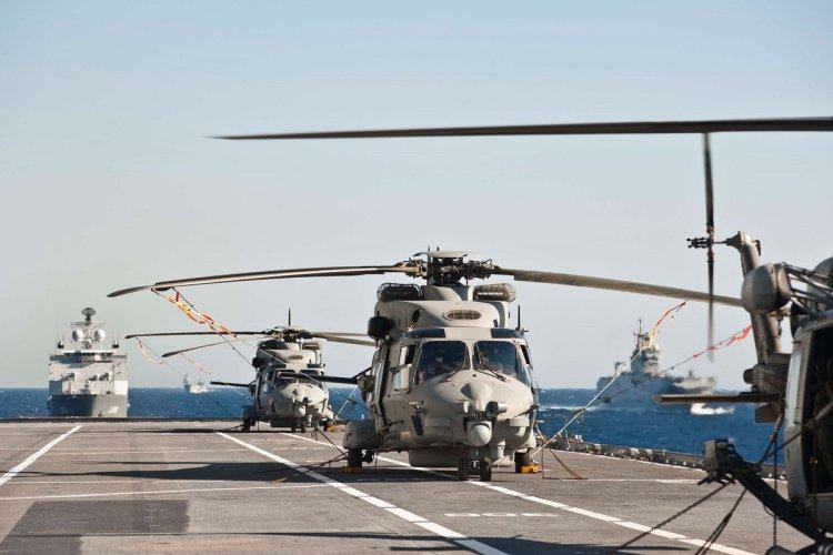 elicotteri SH-90 della Marina Militare