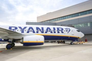450° B737-800 consegnato alla Ryanair