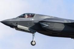 F35 001