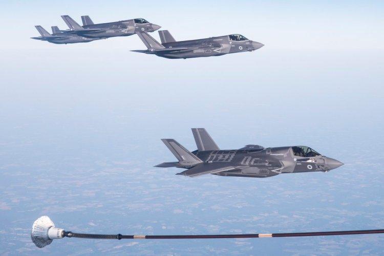 F-35 inglesi in volo sull'Atlantico per la consegna alla RAF e alla Royal Navy