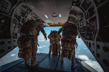 lanci alta quota esploratori paracadutisti folgore