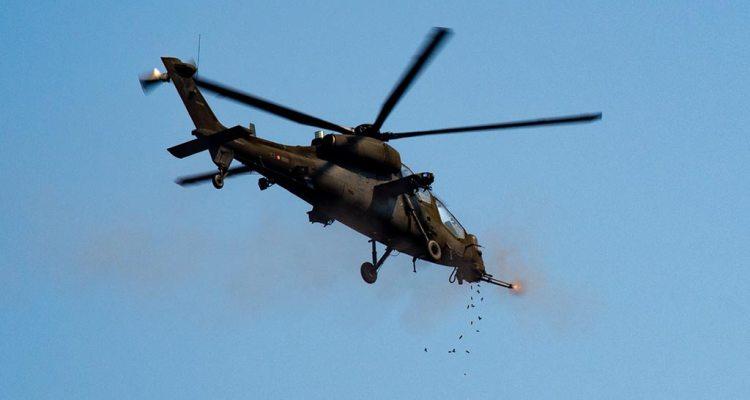 AH-129 durante la fase di sparo