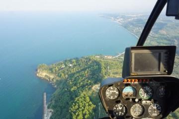 In volo in elicottero sulla costa dei Trabocchi