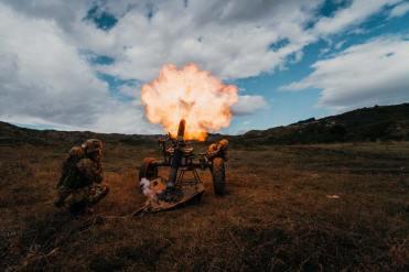 01-tiro-mortaio-Thomson-120-mm