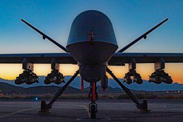 MQ-9A Reaper con 8 missili Hellfire